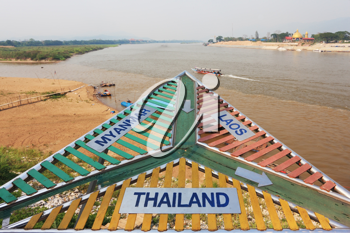 Place on the Mekong River, which borders three countries - Thailand, Myanmar and Laos. The famous Golden Triangle.
