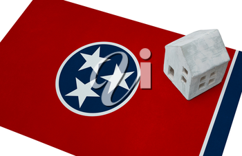 Small house on a flag - Living or migrating to Tennessee
