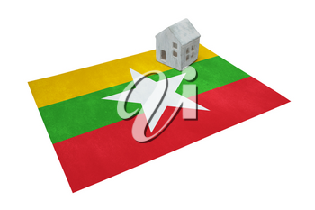 Small house on a flag - Living or migrating to Myanmar